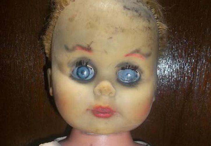 Esta es la muñeca 'Chary', con la que el comediante yucateco Pierre David tuvo una experiencia paranormal. (Jorge Moreno)