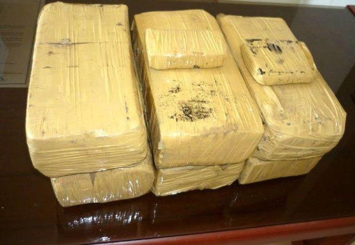 En la operación se incautaron 330 kilos de cocaína. (Foto de contexto tomada de Internet)