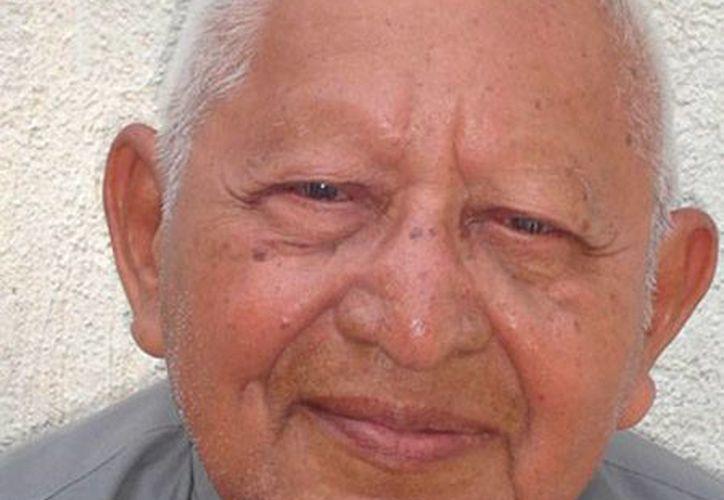 El sacerdote Diego O'Horán Pech falleció este lunes, a los 88 años de edad. (Cortesía)