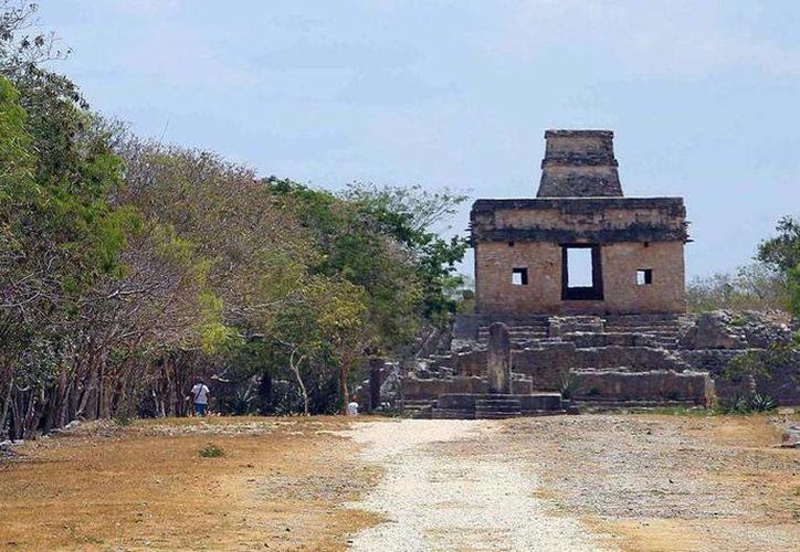 """En algún momento el remate del templo de Las Siete Muñecas estuvo abierto, y al pasar el Sol por el cenit, los rayos encendían el """"fuego nuevo"""". (SIPSE)"""