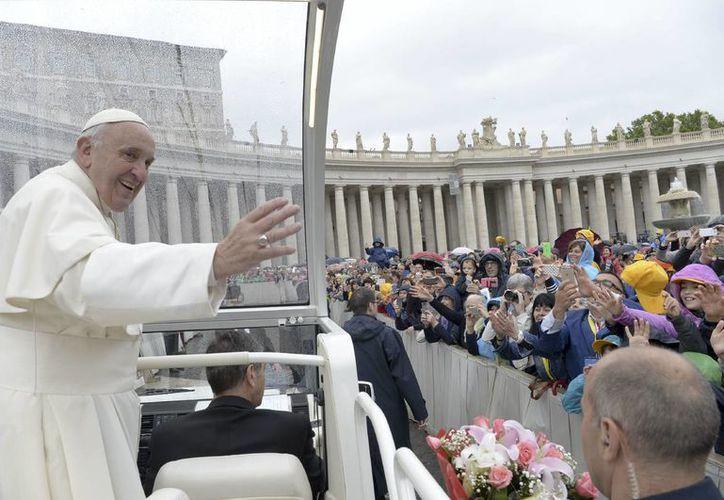 No es la primera vez que Jorge Bergoglio advierte sobre el riesgo de mantener una actitud desequilibrada respecto a los animales y los hermanos. (Agencias)