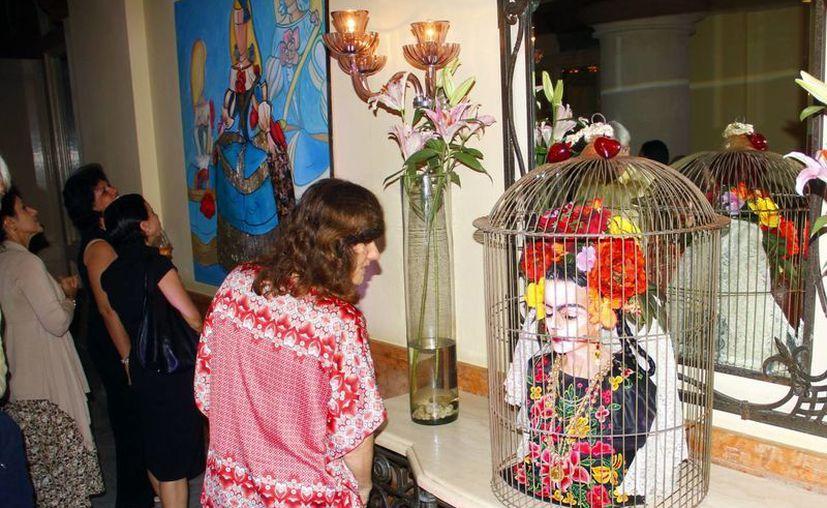 """En la exposición se aprecia a """"una Frida"""" enjaulada. (Juan Albornoz/SIPSE)"""