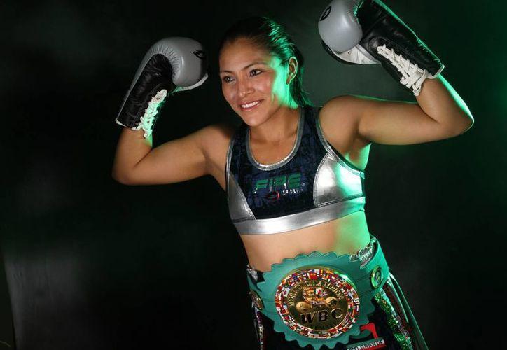 La mexicana Ibeth Zamora disputará este sábado el título minimosca del CMB. (boxaldia.com)