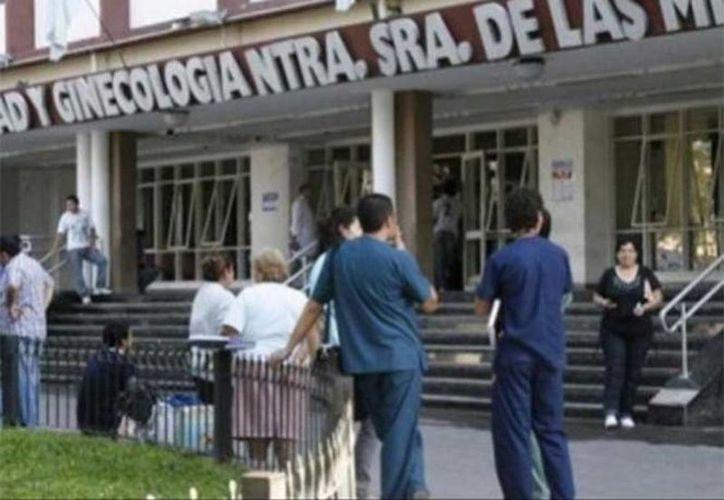 La niña se encuentra hospitalizada en el Instituto de Maternidad y Ginecología Nuestra Señora de Las Mercedes de la localidad de San Miguel de Tucumán, en Argentina. (Excelsior)
