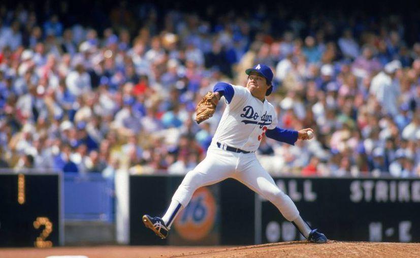 El Toro Valenzuela ya es un ciudadano norteamericano. En esta foto, en su época de esplendor como jugador de Dodgers. (sportsonearh.com)