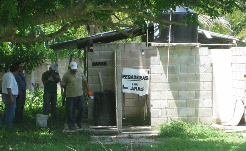 """El operativo de los inspectores continuó en el balneario """"Cocalitos"""". (Javier Ortiz/SIPSE)"""