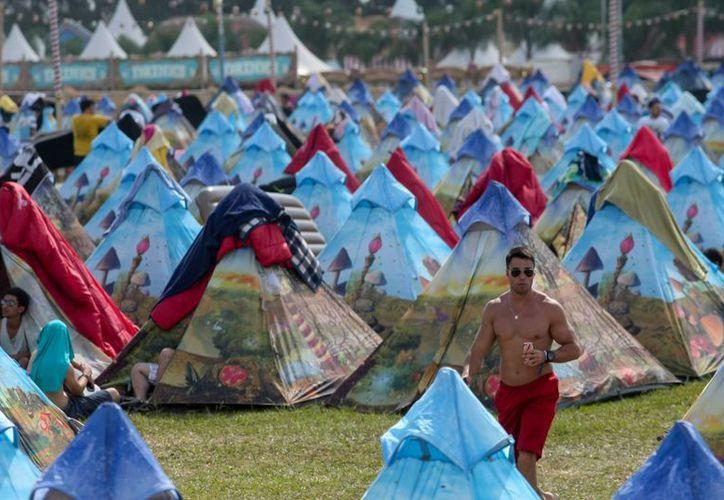 Una persona falleció a causa de un paro cardiorrespiratorio durante el festival de música electrónica Tomorrowland Brasil. (EFE)