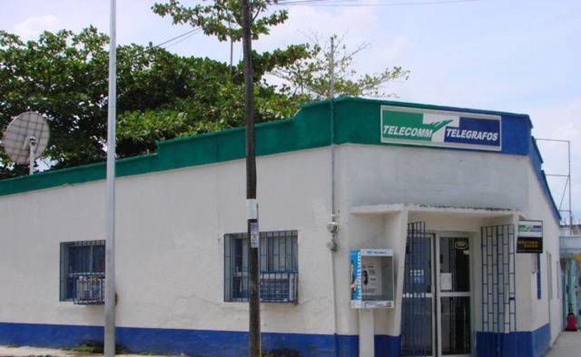 El servicio de bancos de la sucursal de Telecom será restablecido hasta nuevo aviso. (Manuel Salazar/SIPSE)