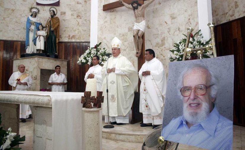 La misa fue celebrada por el alma del P. Ignacio Larrañaga. (Milenio Novedades)