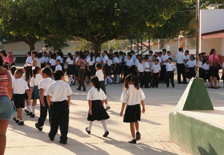 El seguro escolar tiene cobertura no sólo en el plantel educativo, también durante el traslado a la escuela y de regreso. (Irving Canul/SIPSE)