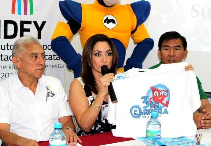 La camiseta de la competencia fue presentada ante los medios de comunicación. (Milenio Novedades)