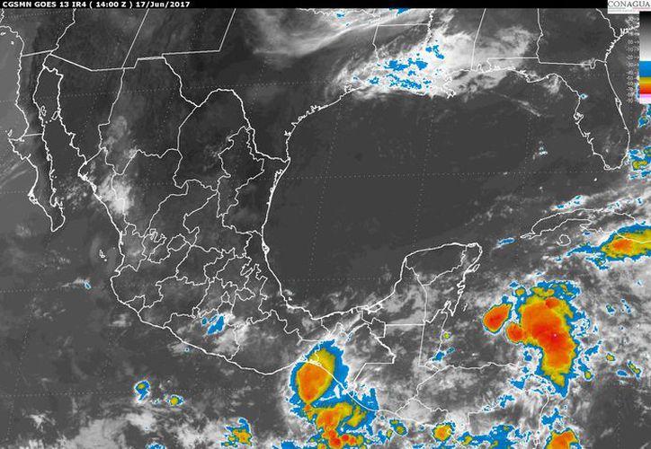Una amplia zona de nublados densos cubrirá la Península de Yucatán. (Imagen de satélite).