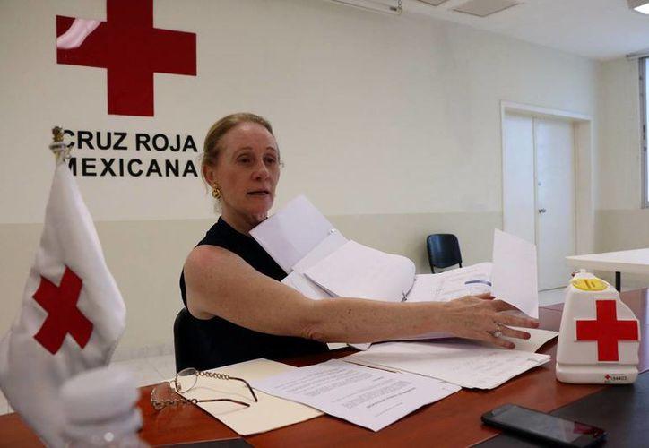 Michelle Byrne de Rodríguez, delegada de la Cruz Roja, dijo que lo que se recaude en la colecta anual 2016 se recaude en la colecta 2016 será para el mantenimiento de ambulancias. (José Acosta)