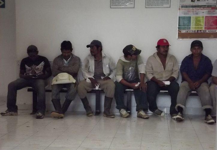 De acuerdo con la FGE, los afectados consumieron tortas de carnitas con café y chile jalapeño, al parecer, en mal estado. (SIPSE)