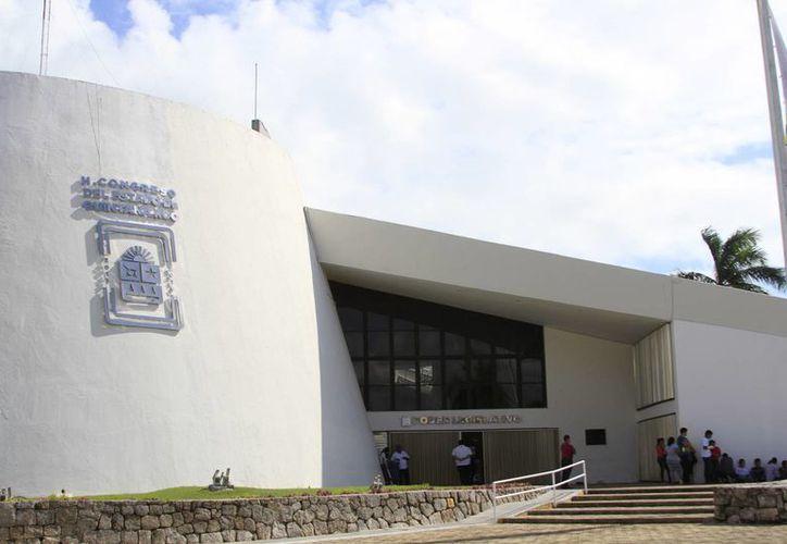 El Congreso del Estado propuso implementar la reforma para control de adeudo en los municipios de Quintana Roo. (Harold Alcocer/SIPSE)