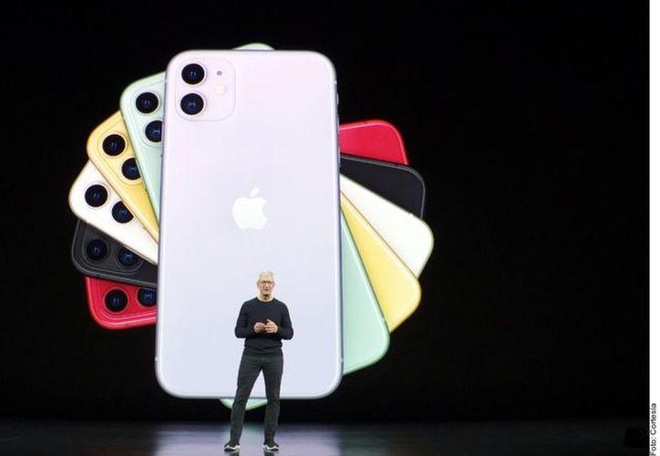 Hace un año Apple presentó los modelos IPhone XS, que se podía encontrar desde 24 mil 499 pesos, y el iPhone XS Max, con precio máximo de 35 mil pesos. (Agencia Reforma)