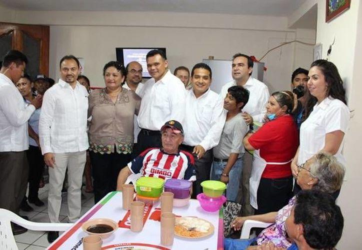 En fecha reciente el gobernador Rolando Zapata inauguró dos Comedores del Bienestar. (Milenio Novedades)