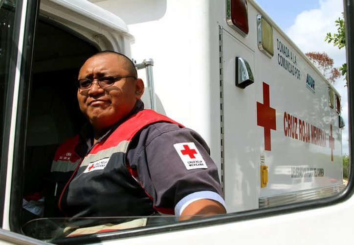 Efraín Chuc Chan, nuevo director operativo de la Cruz Roja, invita a usar los números de emergencia 065 y 114. (Daniel Pacheco/SIPSE)