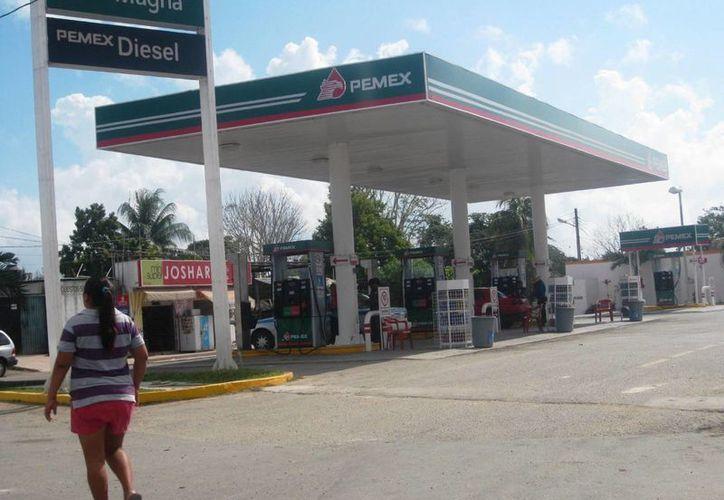 La Policía detuvo a un sujeto que asaltó una gasolinera y que pretendía darse a la fuga. (Javier Ortiz/SIPSE)