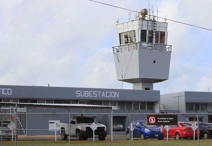 El Aeropuerto Internacional abarca 141 hectáreas del Ejido Chetumal. (Harold Alcocer/SIPSE)