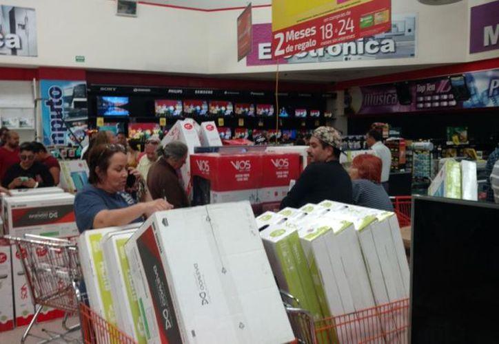 El precio de los productos ofertados en la tienda Soriana estaban mal etiquetados. (Foto: Canal 44)