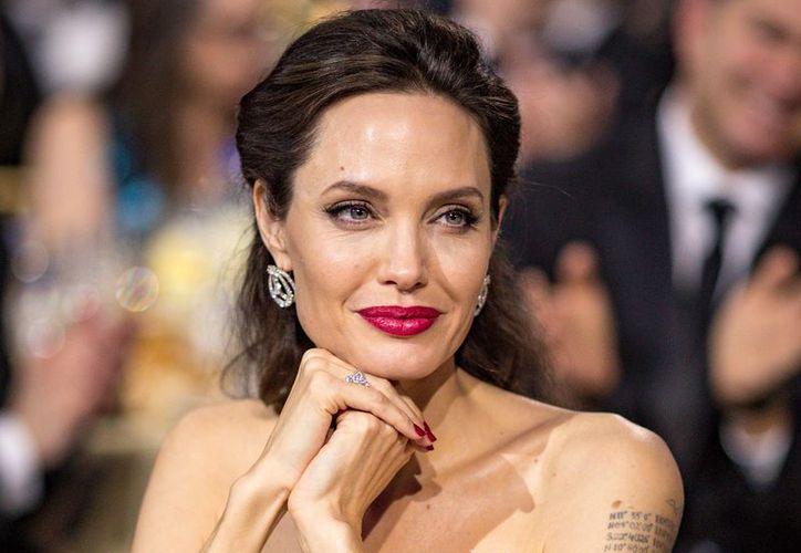 Fuentes cercanas a la actriz Angelina Jolie aseguran que desde hace un año mantiene una relación con Keanu Reeves. (Foto: Celebrity Insider)