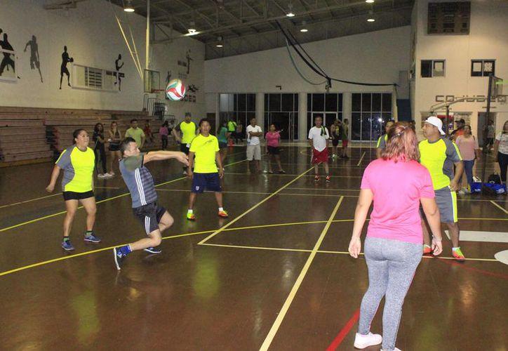 En la capital del estado existen dos ligas que constantemente organizan torneo de este deporte con buen nivel competitivo. (Miguel Maldonado/SIPSE)