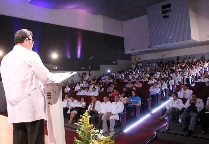 Imagen de la inauguración de las VII Jornadas Académicas de Aniversario del Hospital Regional de Alta Especialidad. (José Acosta/SIPSE)