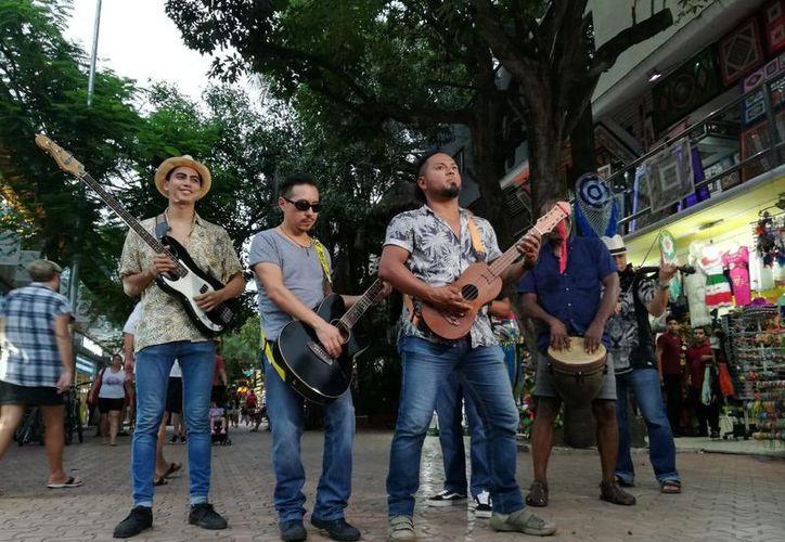 """El videoclip del grupo de rock es de su primer sencillo """"Morenita"""". (Fernanda Duque/SIPSE)"""