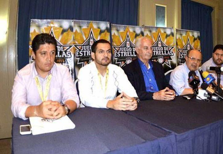 Asamblea de la Liga Mexicana de Beisbol en la que se llegaron a importantes acuerdos, como el que Mazatlán contará con un equipo, sin que ello afecte a Leones de Yucatán. (SIPSE)