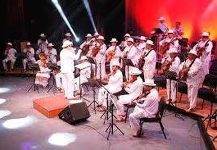 Participarán con la Orquesta Típica Yukalpetén los solistas: Maricarmen Pérez, Jesús Armando y Emma Alcocer. (Milenio Novedades)