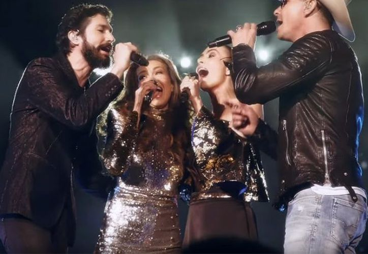 Thalía presentó ayer el video del tema 'Junto a ti' que grabó con Sasha, Benny y Erick.  (Excélsior)