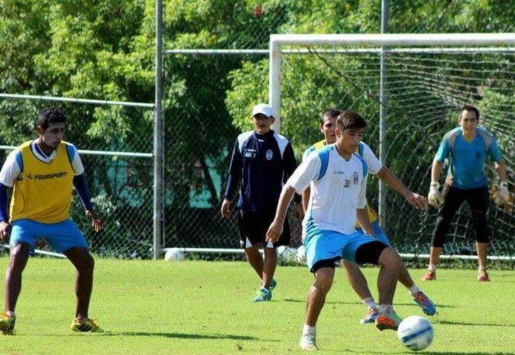 El CF Mérida comenzó con altibajos la campaña regular. Ahora jugarán contra el Atlante en Mérida. (Milenio Novedades)