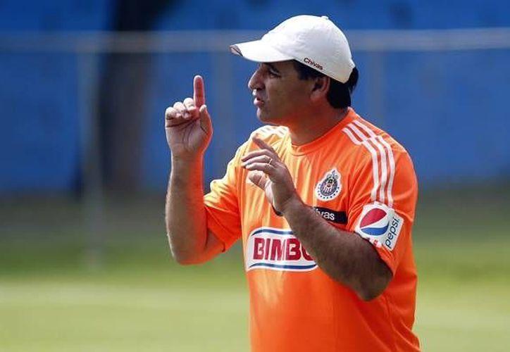 Carlos Bustos no pudo mejorar la situación de Chivas en su lucha por el no descenso de la Liga Mx, pero ahora su objetivo es ascender a la máxima categoría al mando de Dorados de Sinaloa. (mediotiempo.com/Foto de archivo)