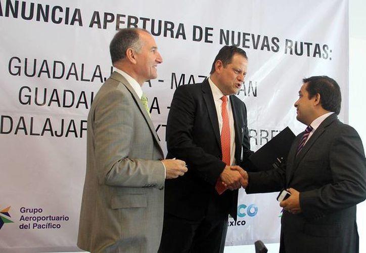 El secretario de Fomento Turístico, Saúl Ancona, durante su participación en el evento en Guadalajara. (Cortesía)