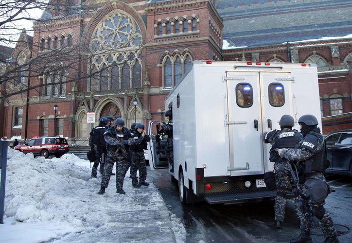 La Universidad de Harvard advirtió sobre una serie de 'reportes sin confirmar' de explosivos colocados en cuatro edificios de su campus en Cambridge. (Agencias)