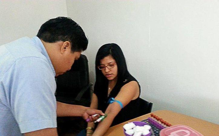 Personal del Banco de Sangre Regional indicó que aún persisten miedos o mitos que frenan la donación altruista. (Redacción/SIPSE)