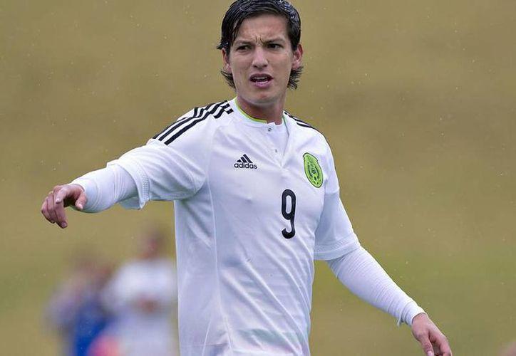 Carlos Fierro, jugador de Querétaro, tiene la opotunidad de sustituir a Oribe Peralta en la delantera de la Selección Olímpica.(Foto tomada de Femexfut)
