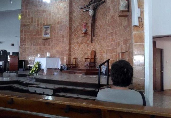 En la parroquia de Cristo Rey, se realizó una vigilia desde el sábado hasta la mañana del domingo. (Milenio Novedades)
