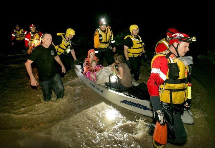El sábado, las aguas del río Blanco, en Texas, llegaron a un nivel récord. (AP)