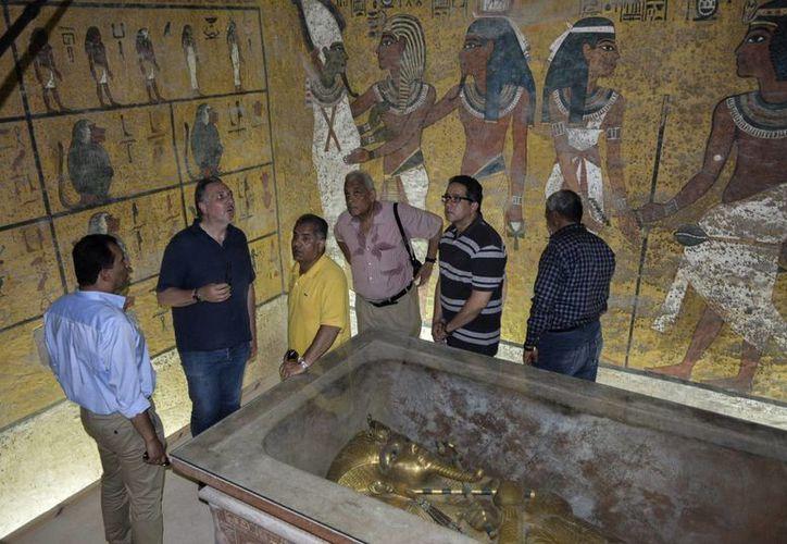 La hipótesis de que la tumba de Nefertiti estaría muy cerca del sepulcro de Tutankamón divide la opinión de los arqueólogos. (EFE)