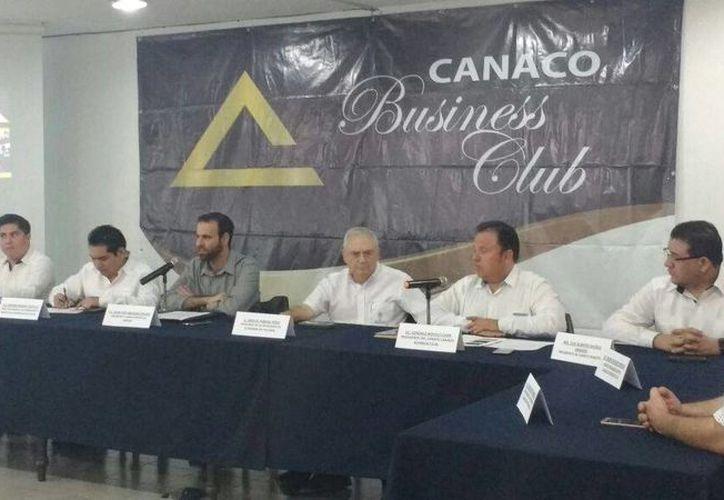 En el evento de  Business Club, del año pasado, se realizaron 635 encuentros de negocios por hasta un millón de pesos en transacciones. (Candelario Robles/Milenio Novedades)