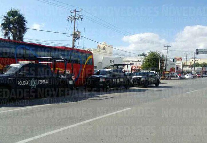 Los policías federales se concentraron en un hotel de la avenida López Portillo. (Redacción)