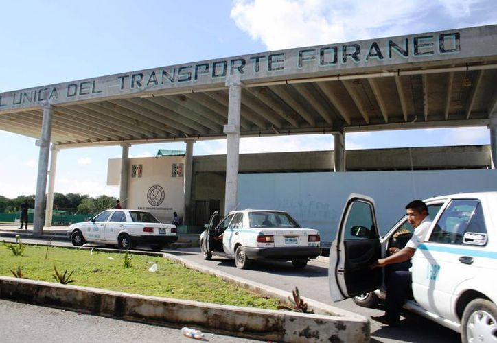 El número de salidas de autobuses hacia Chiapas, Tabasco y Veracruz se ha incrementado este mes. (Octavio Martínez/SIPSE)