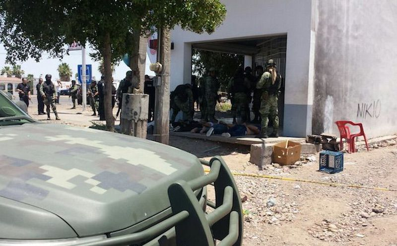 Se enfrentan militares y presuntos delincuentes en la carretera Culiacán-Eldorado