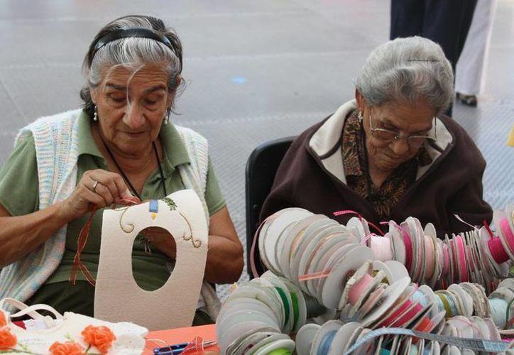 La esperanza de vida en México es de 76.7 años, lo que lo convierte en el segundo país latinoamericano con mayor esperanza de vida, solo por debajo  de Chile. (lopezdoriga,com)