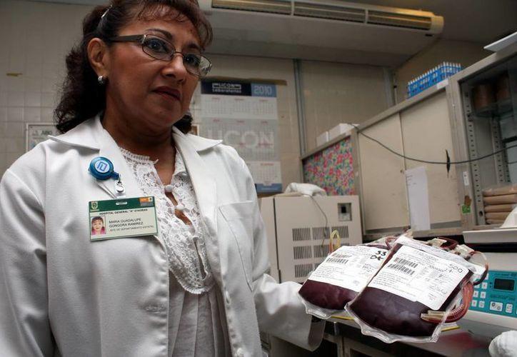 El Centro Estatal de Transfusión Sanguínea atiende a las personas que requieran donadores de plasma y no los encuentren entre familiares y amigos. (SIPSE)