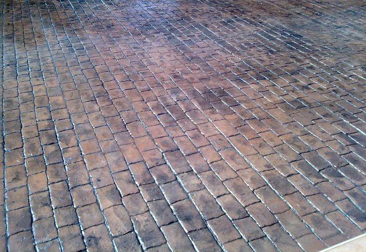 Hasta hace unos años, varias plazas públicas y calles de Mérida estaban adoquinadas. (SIPSE)