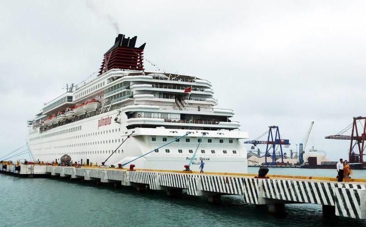 En 2016, más de un millón 500 mil viajeros de cruceros arribaron al puerto de Progreso. (Archivo/ Milenio Novedades)
