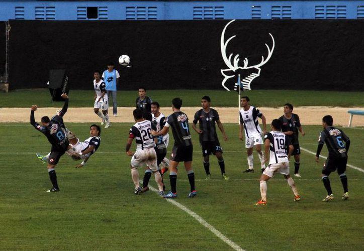 El cuadro potosino no se vino a encerrar al estadio olímpico y demostró un futbol ofensivo. (Milenio Novedades)